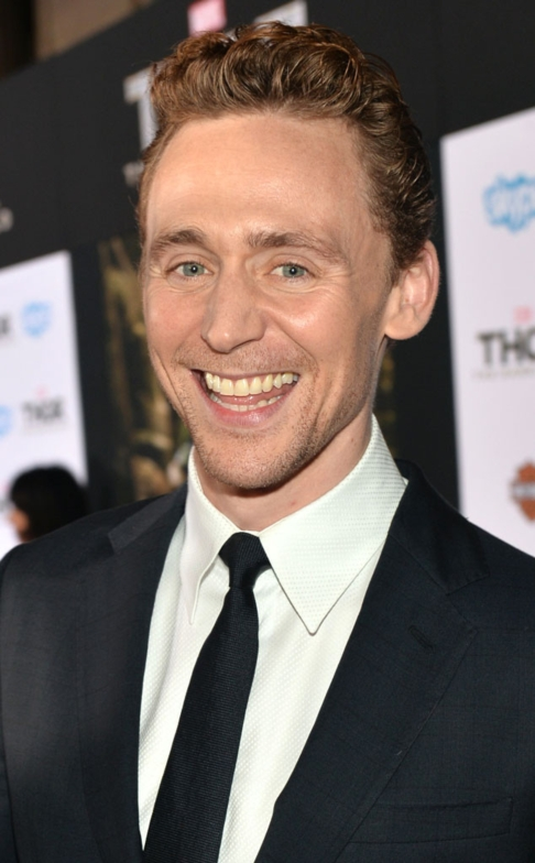 Tom Hiddleston 02