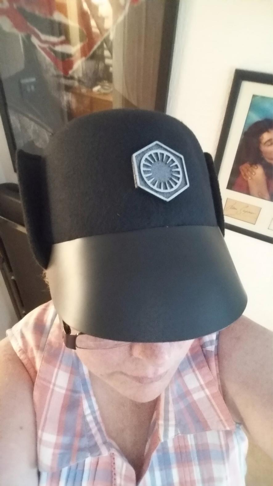 Hux hat 1